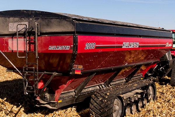 Elmer's Haulmaster - Grain Cart, Buggy, Chaser Bin with Tracks